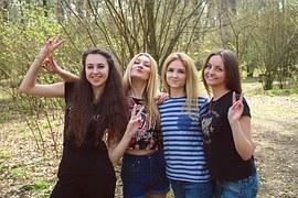 girls-1360777__180